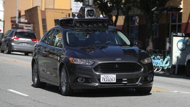 اتوموبیل خودران اوبر در سانفرانسیسکو آمریکا