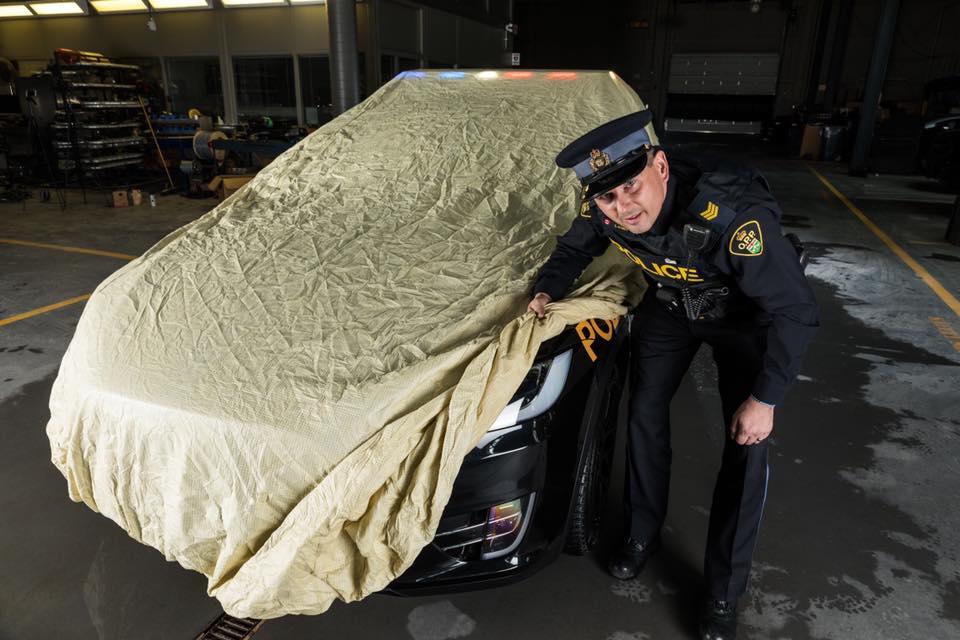 پلیس انتاریو کانادا و خودرو تسلا مدل X