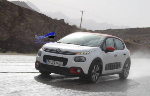 فیلم تجربه رانندگی با سیتروئن C3 در مسیر کاشان اصفهان