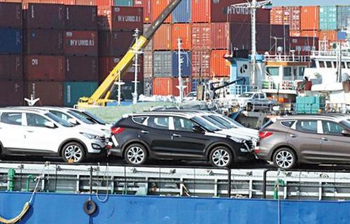 چه کسی جلوی واردات خودرو خارجی به ایران دیوار کشید؟
