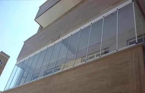 برای طراحی دکوراسیون داخلی ساختمان از چه شیشه هایی استفاده می شود؟