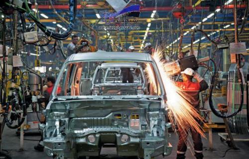 معاون وزیر راه: خودروسازان اجازه کاهش قیمت خودرو را نمیدهند.صحبت از گرانی سوخت خط قرمز است.