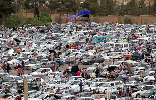تب بازار خودرو پایین نیامد