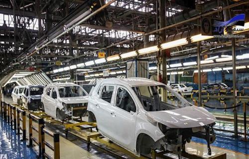 نعمتبخش: 50 هزار خودروی ناقص در کف کارخانه ایران خودرو و سایپا داریم