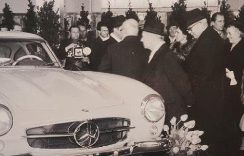 محمدرضا شاه و خاندان پهلوی سوار بر چه خودروهایی می شدند؟