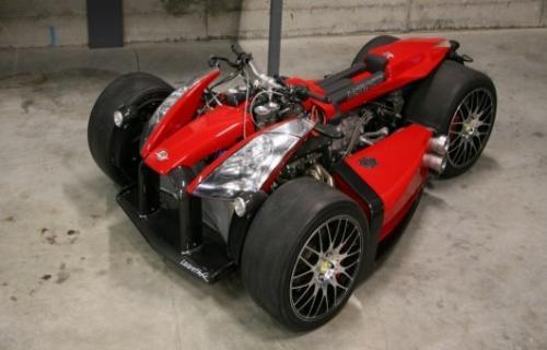 وازوما V8F موتورسیکلتی با موتور فراری و گیربکس بی ام و