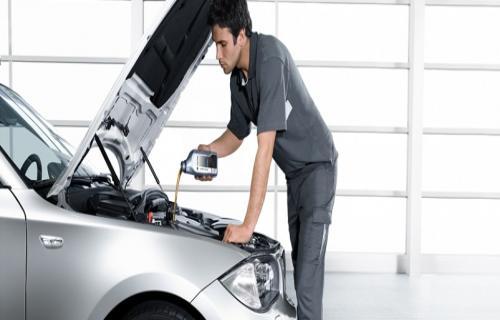 تعویض فیلتر و روغن موتور خودرو