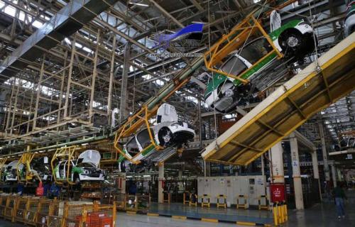 دولت به کمک صنعت خودرو بیاید