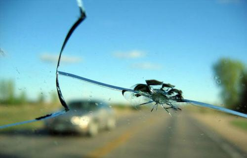 ترمیم و تعمیر شیشه ترک خورده ماشین