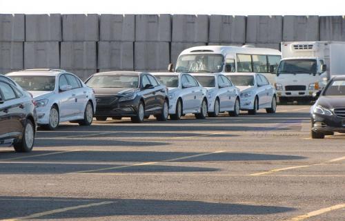 تعیین مهلت 3 ماهه برای ترخیص خودروهای در گمرک مانده