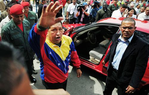 مرحوم چاوز و خودروی سمند