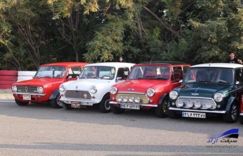 بزرگترین گردهمایی خودروهای کلاسیک در پیست آزادی