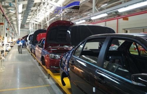 آزادسازی قیمت خودرو همراه با تدوین بسته حمایتی خرید