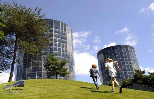 برجهای فروش خودرو در آلمان با عنوان شهر خودرو - AutoStadt