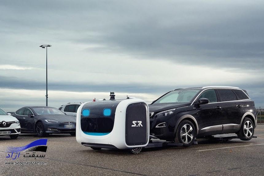 ربات هایی که خودرو مسافران در فرودگاه لندن را گرفته و انها را پارک می کنند