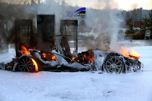 تسلا مدل اس هم مانند پژو ۴۰۵ خود به بخود در آتش میسوزد