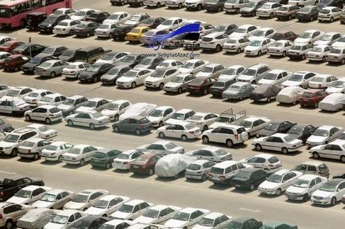 کاهش قیمت خودروها در بازار سرعت بیشتری گرفت