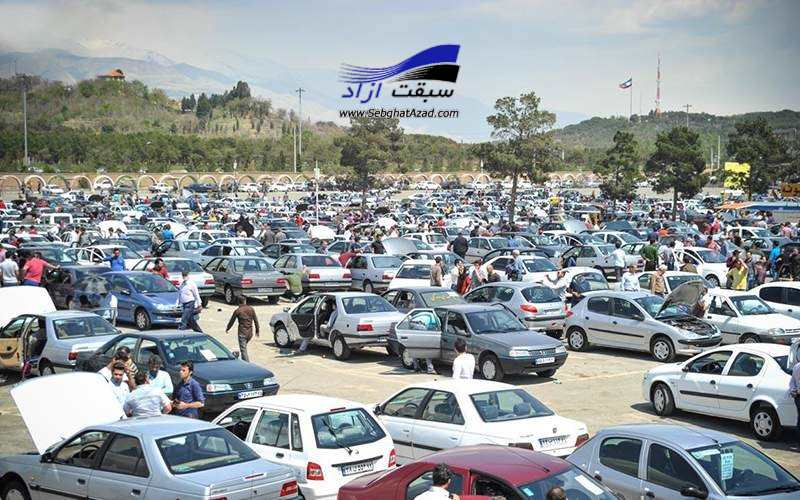 چرا مردم باید تاوان هزینههای سربار خودروسازان را بدهند