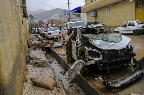 سایپا بدنه خودروهای آسیب دیده سیل را رایگان تعمیر میکند