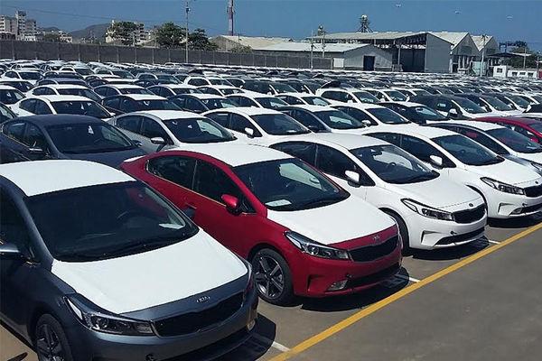 رانت میلیونی اختلاف قیمت خودرو به جیب چه کسانی می رود؟